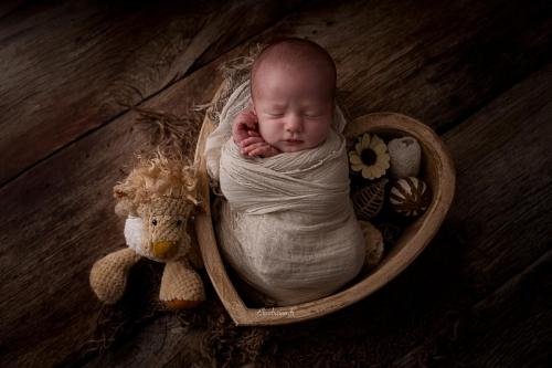 bébé dans coeur