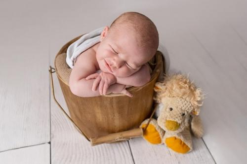 bébé garçon 8 jours
